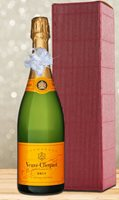 Veuve Clicquot Yellow Label Brut NV Christmas Gift Set